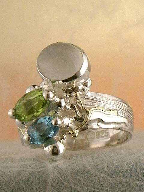Follow us, Join us on Facebook, and visit http://www.designerartjewellery.com, Gregory Pyra Piro One of a Kind Handmade Jewellery in London in Silver and Gold, Bespoke Jewellery with Semi Precious Stones, #Peridot and Blue Topaz #Ring 3274