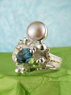 Follow us, Join us on Facebook, and visit http://www.designerartjewellery.com, Gregory Pyra Piro One of a Kind Handmade Jewellery in London in Silver and Gold, Bespoke Jewellery with Semi Precious Stones, #Peridot and Blue Topaz #Ring 5848