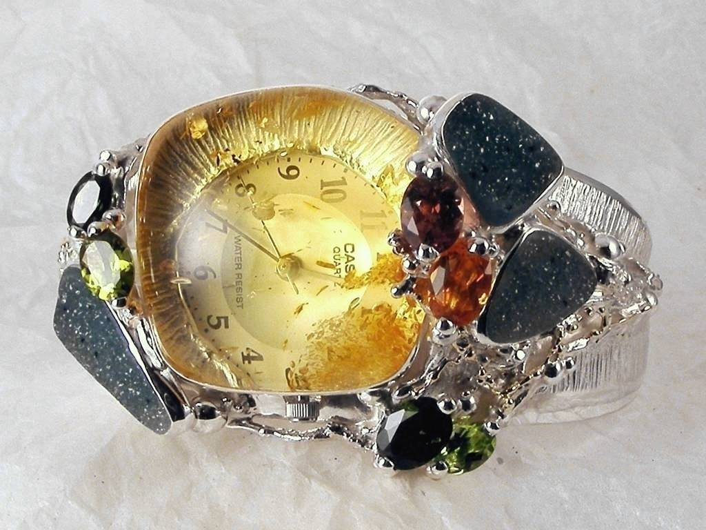 Gregory Pyra Piro One of a kind original handcrafted with superb detail craftsmanship and superb quality finish, only one available Bracelet Watch in Sterling Silver and 18 Karat Gold with Amber, Tourmaline, Peridot, Garnet, and Drusy