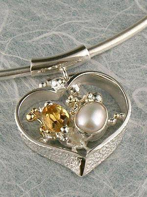 gregory pyra piro conceptual and sculptural one of a kind handcrafted art jewellery, auction style handcrafted jewellery made by jewellery maker, artistic handcrafted jewellery made by artisan, art jewellery handcrafted by artist,  conceptual design jewellery made by artisan, conceptual handcrafted jewellery made by jewellery maker, handcrafted jewellery with gemstones and pearls, conceptual jewellery made from gold and silver,  #Pendant #3614
