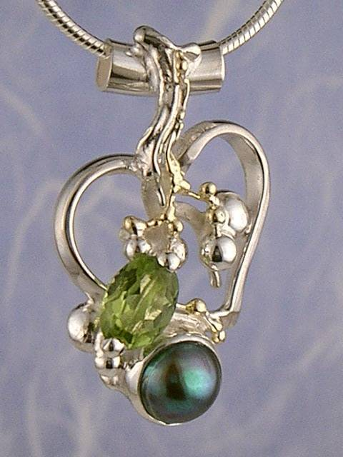 gregory pyra piro conceptual and sculptural one of a kind handcrafted art jewellery, auction style handcrafted jewellery made by jewellery maker, artistic handcrafted jewellery made by artisan, art jewellery handcrafted by artist,  conceptual design jewellery made by artisan, conceptual handcrafted jewellery made by jewellery maker, handcrafted jewellery with gemstones and pearls, conceptual jewellery made from gold and silver,  #Pendant 7392
