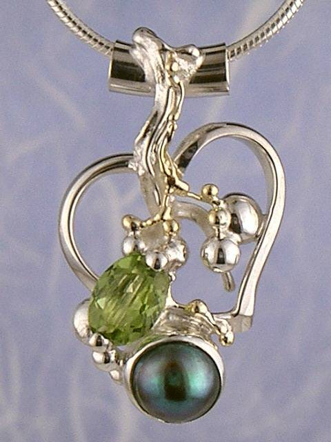Heart Pendant in Sterling Silver and 14 Karat Gold with Peridot, and Pearl