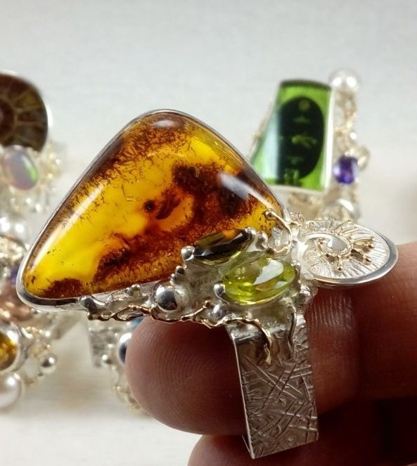 original maker's handcrafted jewellery, gregory pyra piro ring 30164, sterling silver and 14 karat gold, amber, peridot, green tourmaline, fine craft gallery jewellery for sale, art and craft gallery artisan handcrafted jewellery for sale, jewellery with ocean and seashell theme