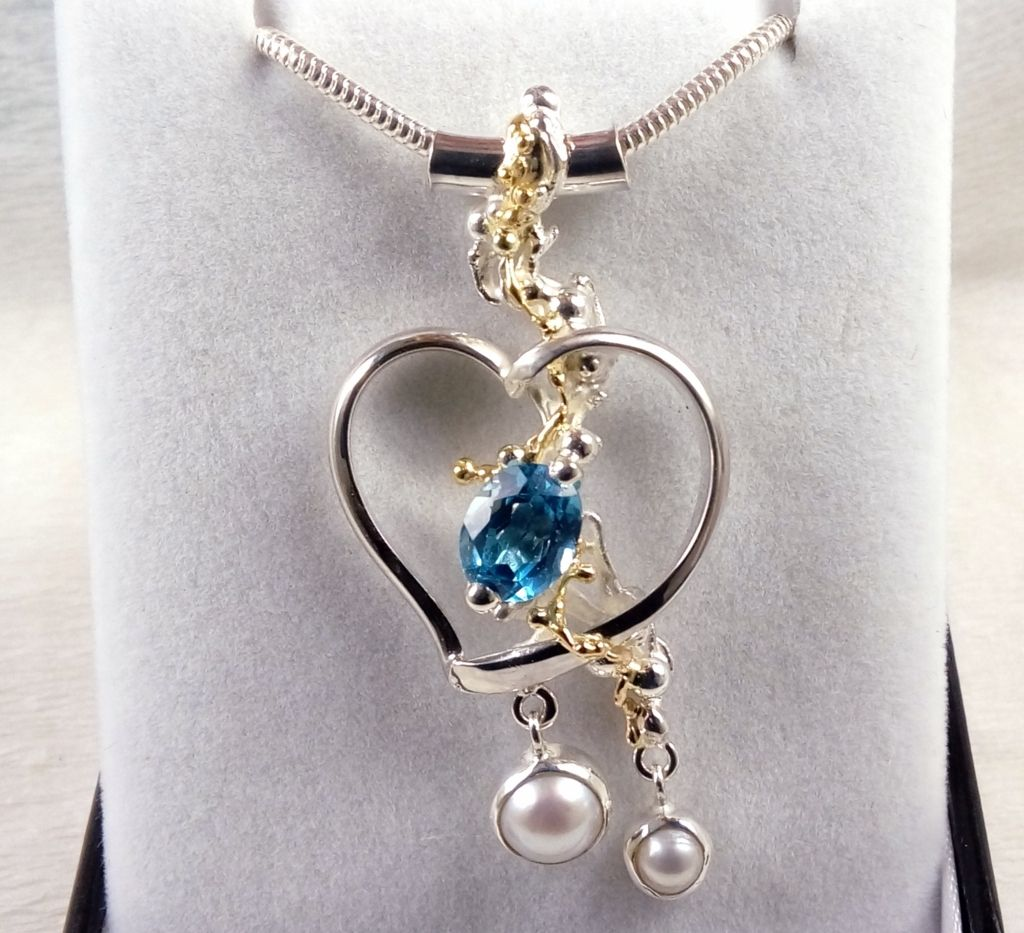 gregory pyra piro one of a kind heart pendant 5391, heart pendant with garnet and citrine, mixed metal pendants from silver and gold, heart pendants in art and craft galleries