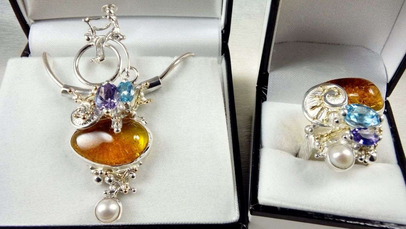 Gregory Pyra Piro ewellery Set, Bicycle Pendant #1950 & Square Ring #4822, handmade ring, ring in sterling silver, ring in 14 karat gold, ring with blue topaz, ring with amethyst, ring with amber, ring with pearl
